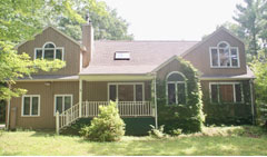 Modern-Cape-at-Woodridge-Lake-$414,000-7-Cornwall-Dr,-Goshen-CT